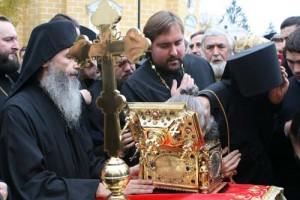 В Киев привезли мощи Пантелеимона Целителя