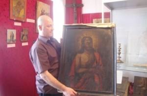 В Уманском краеведческом музее замироточила икона